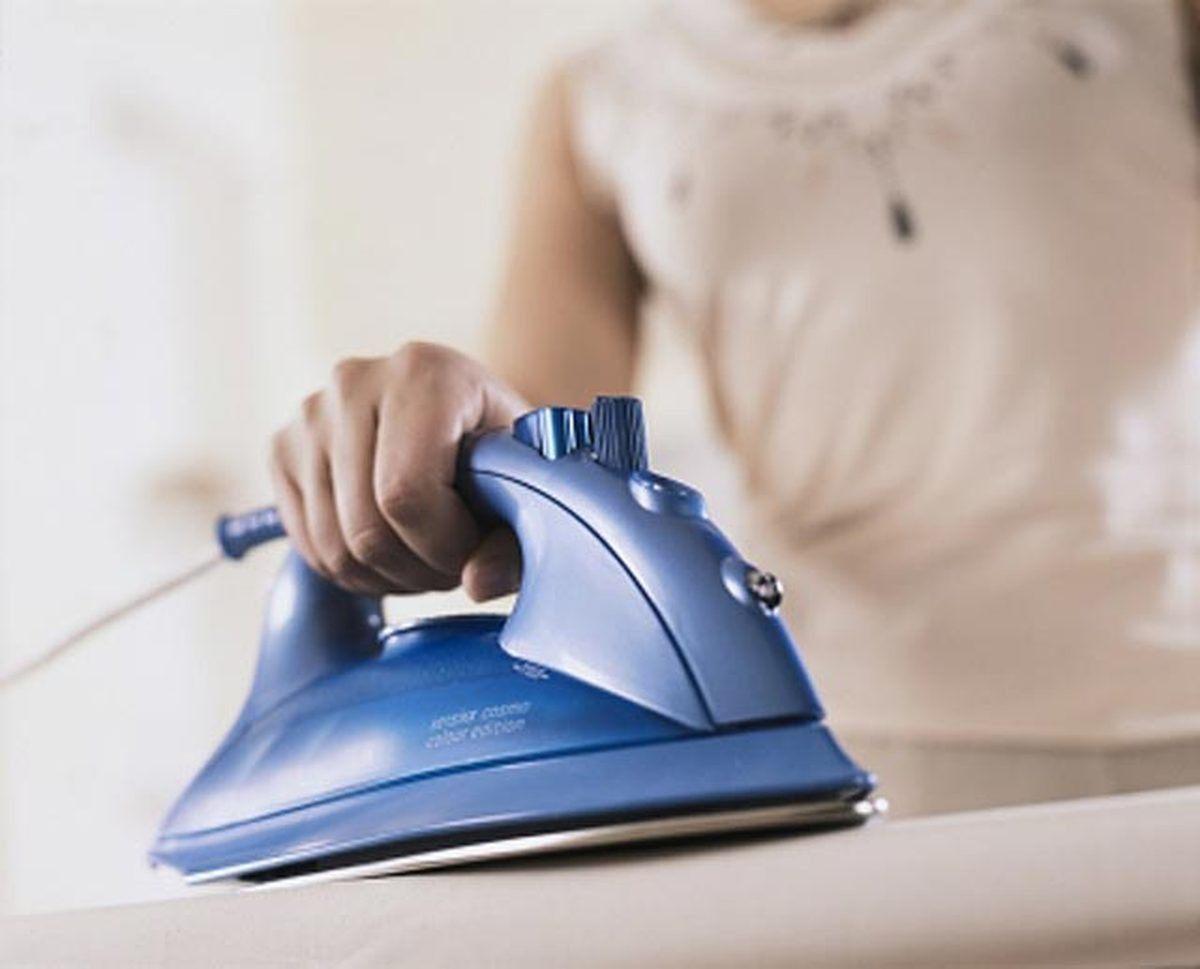 Сон гладить утюгом одежду