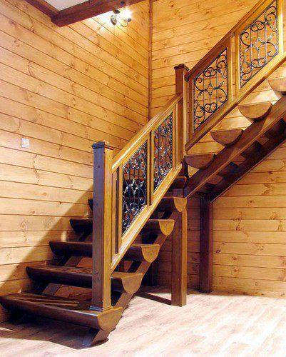 Лестница на второй из бревен этаж своими руками