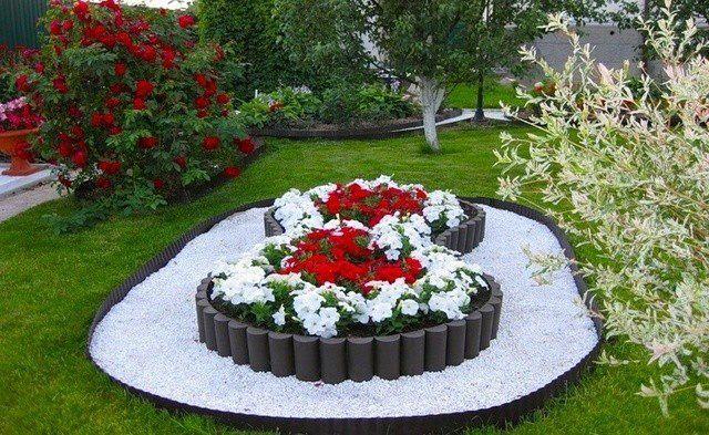 Как красиво огородить цветник