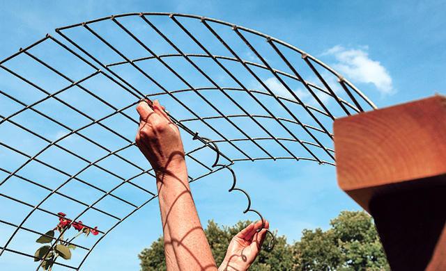 Сделать садовую арку своими руками