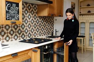 Тест-драйв кухни в реальных условиях. Выбираем кухню мечты вместе с холостяком, бизнес-леди и молодой семьей