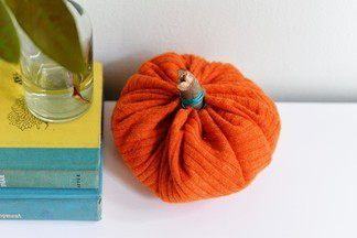 Декоративная тыква из ткани своими руками к Хэллоуину - мастер-класс