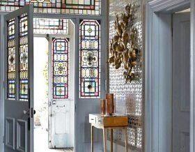 Витражные двери: 5 идей, 9 примеров