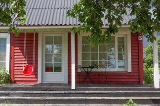 В гостях: невероятный дом в колониальном стиле на берегу Минского моря