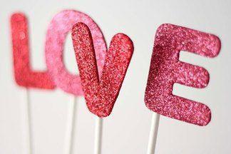 Love is, Или оформление квартиры к 14 февраля