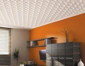 Как клеить потолочную плитку?