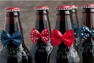 Декор бутылок на 23 февраля своими руками: только стильные решения