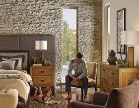 Интерьеры До и После укладки декоративным камнем