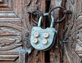 Замок для двери: 3 критерия выбора