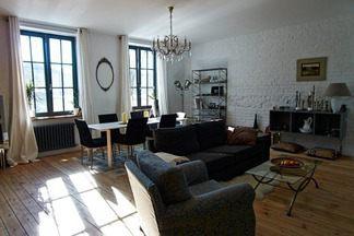 Квартира для молодой семьи в  стиле лофт: гармоничное сочетание старинных элементов декора с  современными