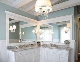 Угловое зеркало для вашей ванной: 31 пример