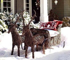 Декор фасада дома на Рождество и Новый год
