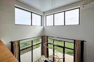 Алюминий и ничего больше:  выбираем панорамное остекление для частного дома вместе с экспертом