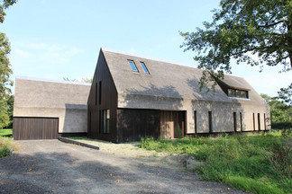 Дом в Нидерландах: гармония, покой и четкие линии