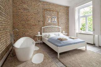 5 способов поставить ванну в спальню