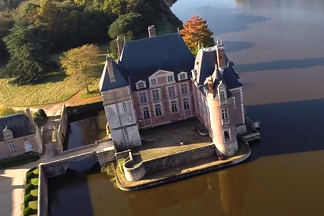 Дом за три миллиона у.е. в  Раубичах или замок во  Франции: смотрим и  выбираем