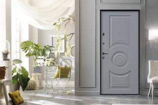 Итальянский и французский стили. «Стальная линия» представила новые лимитированные коллекции дверей