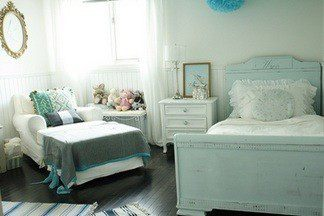 10 элементов интерьера, которые помогут обустроить нежно-голубую спальню для  мечтательной девушки