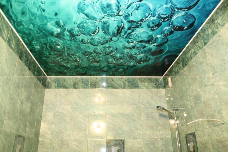 Дизайн потолка ванной комнаты фото