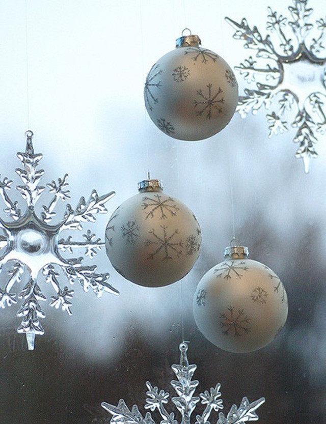 Украшение новогоднего окна